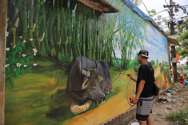 Dạo bước ngôi làng bích họa đầu tiên của Hà Nội - Ảnh 7.