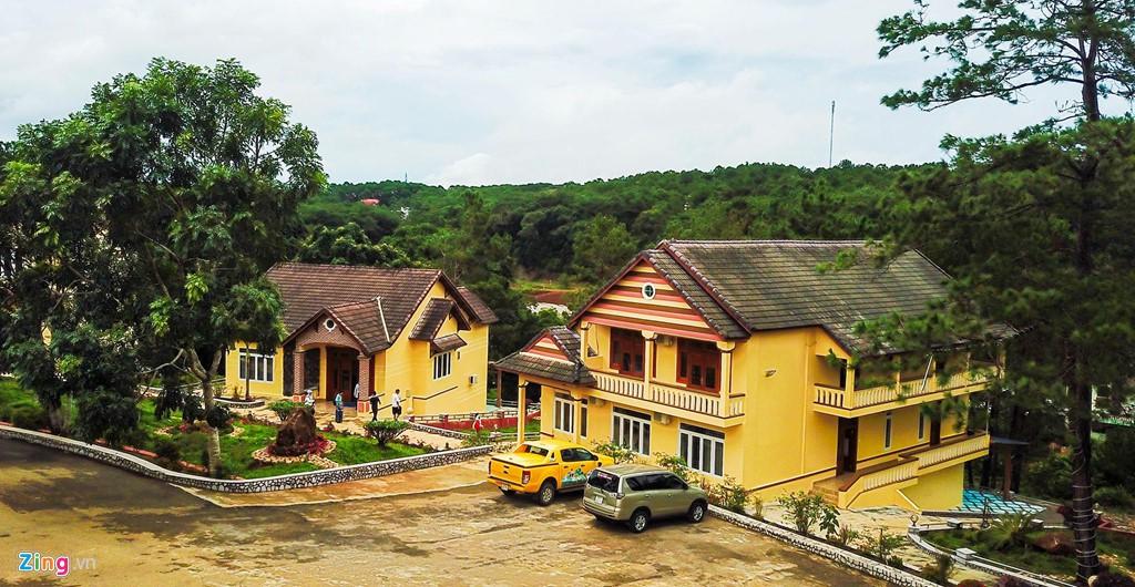 Làng biệt thự Măng Đen hồi sinh sau 10 năm bỏ hoang - Ảnh 8.