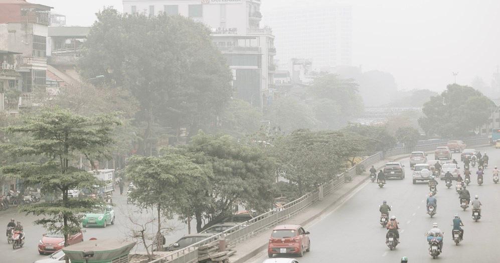 Sương mù bao phủ Hà Nội trong 10 ngày đầu năm 2020 - Ảnh 1.