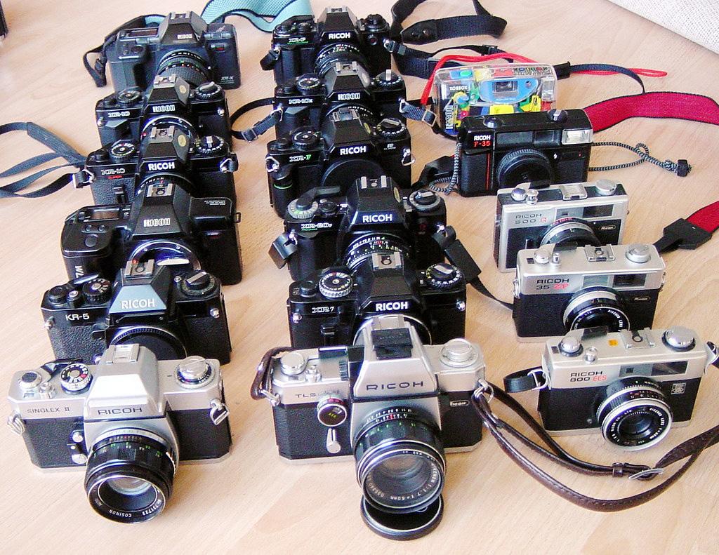 5 máy ảnh gia đình tầm trung đáng mua để chụp Tết - Ảnh 2.