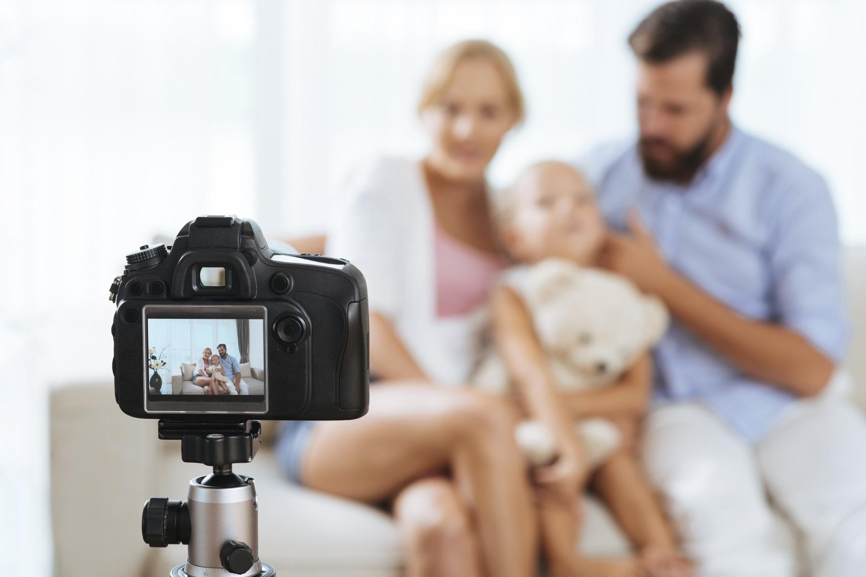 5 máy ảnh gia đình tầm trung đáng mua để chụp Tết - Ảnh 1.