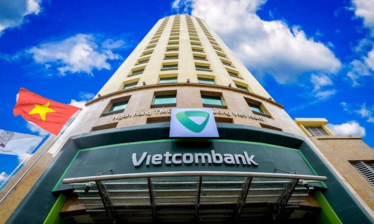 Lợi nhuận Vietcombank cao gấp đôi VietinBank, BIDV - Ảnh 1.