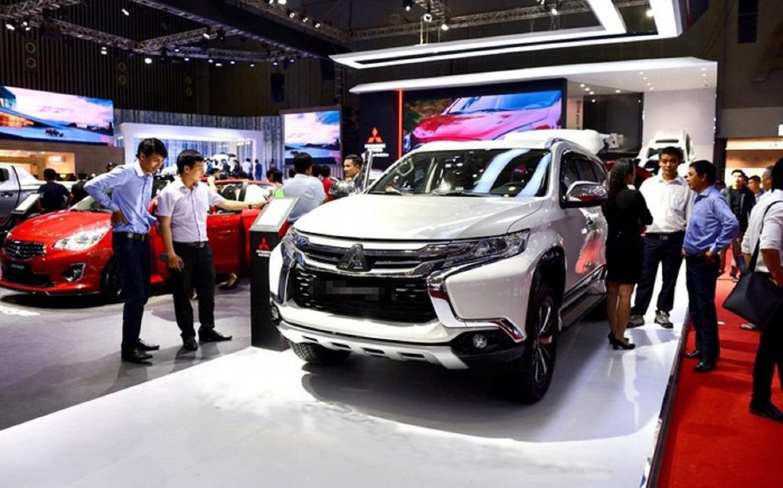 'Thời bùng nổ ô tô', người Việt mua hơn 1.000 chiếc xe hơi mỗi ngày - Ảnh 1.