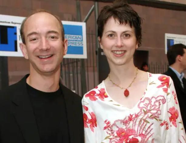 Jeff Bezos vừa bước sang tuổi 56: Cùng nhìn lại cuộc đời của người đàn ông giàu nhất thế giới - Ảnh 16.