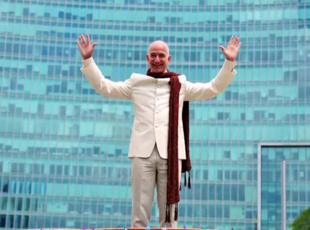 Jeff Bezos vừa bước sang tuổi 56: Cùng nhìn lại cuộc đời của người đàn ông giàu nhất thế giới - Ảnh 26.