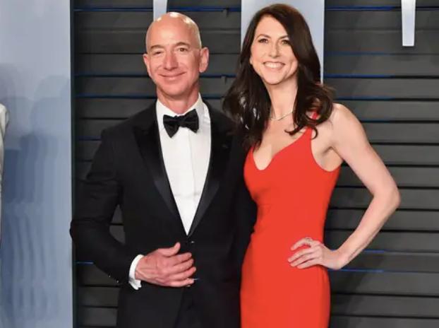 Jeff Bezos vừa bước sang tuổi 56: Cùng nhìn lại cuộc đời của người đàn ông giàu nhất thế giới - Ảnh 39.