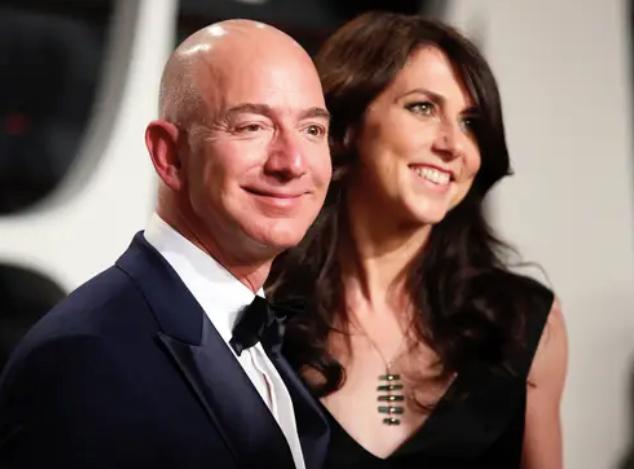 Jeff Bezos vừa bước sang tuổi 56: Cùng nhìn lại cuộc đời của người đàn ông giàu nhất thế giới - Ảnh 40.