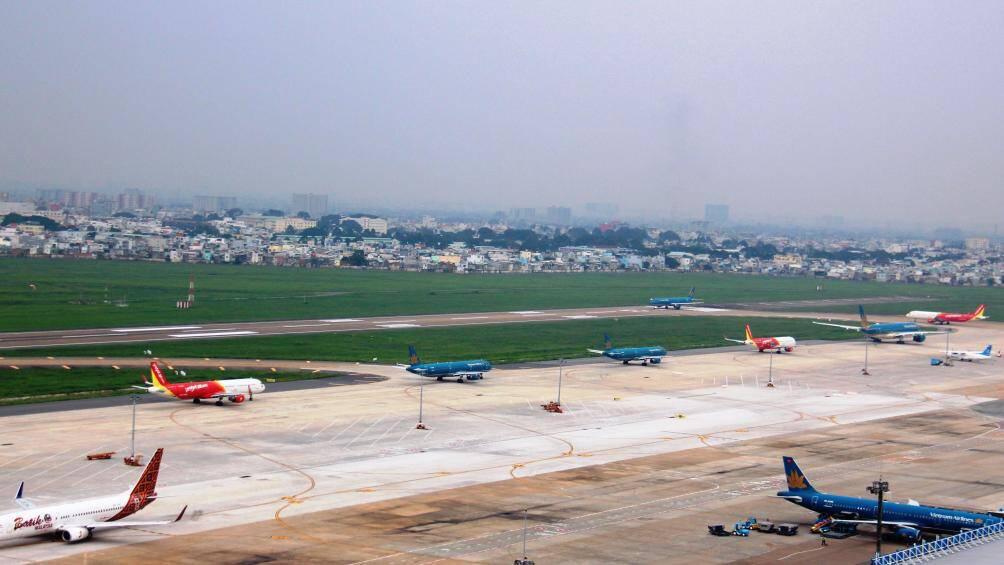 Cứ 1,4 phút có 1 chuyến bay cất, hạ cánh ở Tân Sơn Nhất dịp Tết - Ảnh 2.