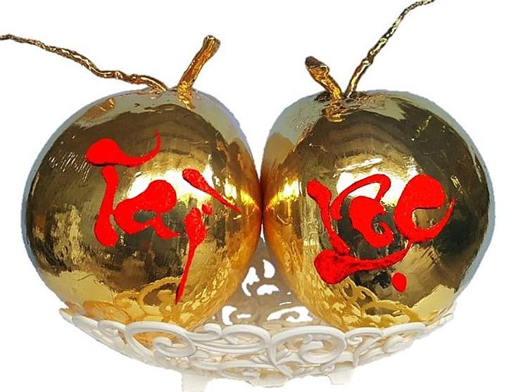 Dừa tươi mạ vàng 24k - Ảnh 1.
