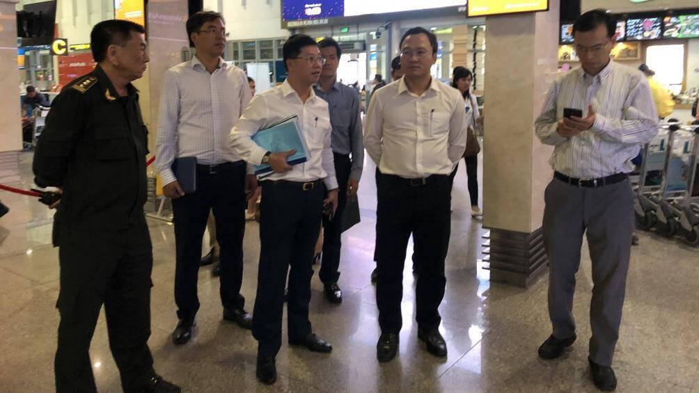 Cứ 1,4 phút có 1 chuyến bay cất, hạ cánh ở Tân Sơn Nhất dịp Tết - Ảnh 1.