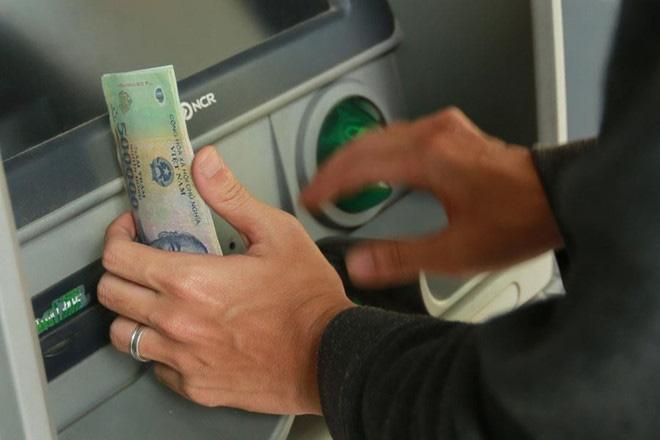 Cận Tết, tội phạm thẻ hoành hành, coi chừng bị lừa đảo, chiếm đoạt hết tiền trong tài khoản ngân hàng - Ảnh 2.
