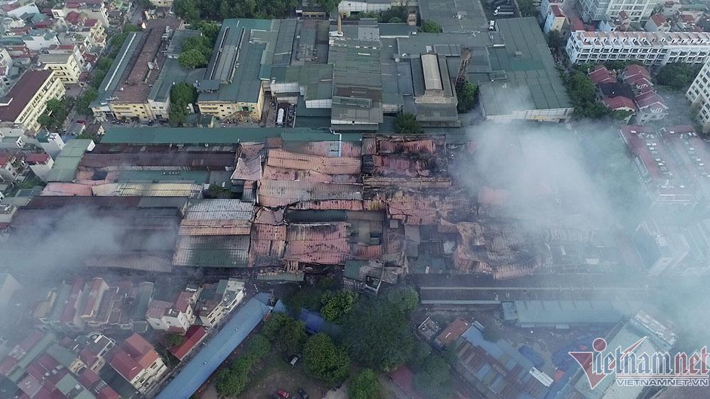 Trăm nhà máy ô nhiễm trong lòng thành phố, Hà Nội quyết di dời trong năm nay - Ảnh 1.