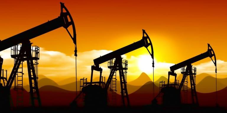 Giá xăng dầu hôm nay 12/2: Tăng nhẹ chưa đáng kể  - Ảnh 1.