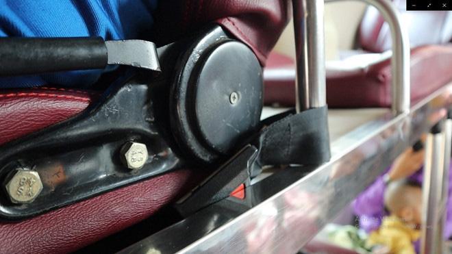Về quê ăn Tết: Không cài dây an toàn; tài xế, người ngồi bị phạt cả triệu - Ảnh 1.