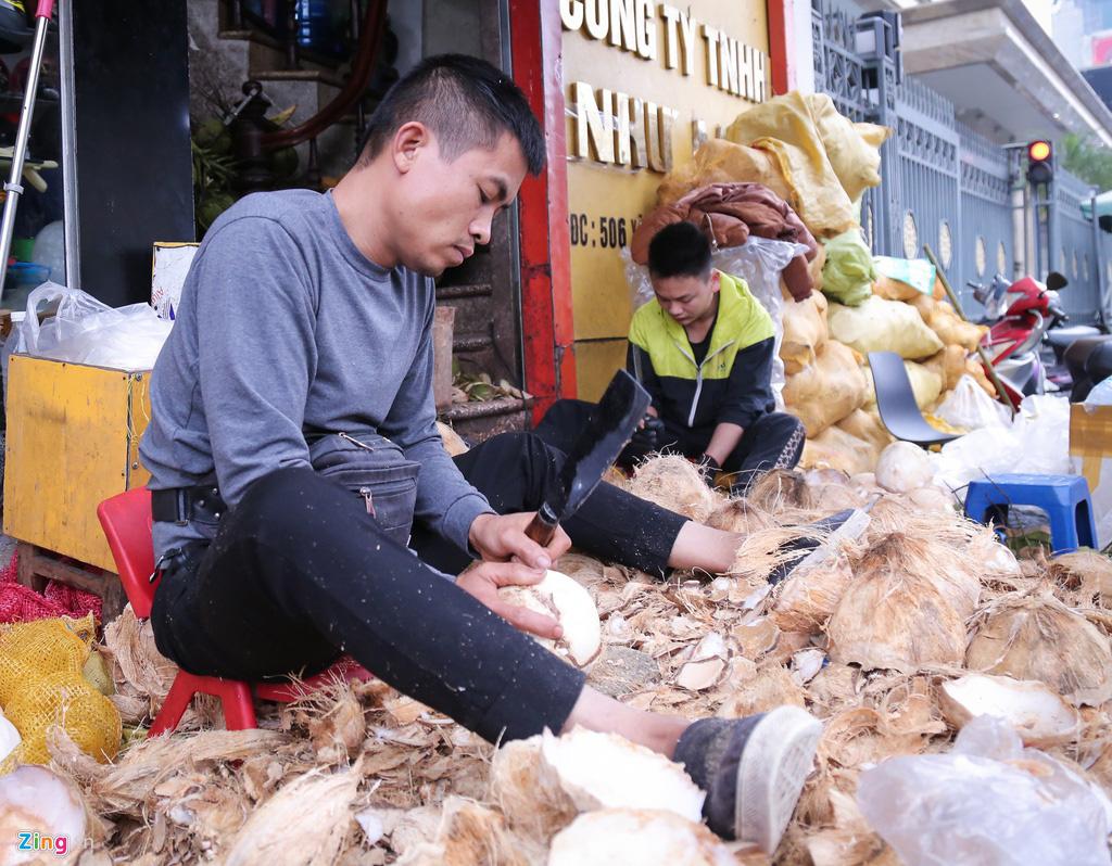 Thu về 30-50 triệu mỗi ngày từ bán dừa làm mứt - Ảnh 2.