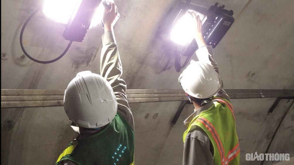 Hầm Hải Vân căng mình 24/24h dịp Tết, đảm bảo an toàn 19.000 lượt xe/ngày - Ảnh 3.