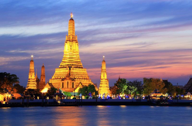 Du lịch Thái Lan: Những ngôi chùa nhất định bạn phải ghé thăm khi tới Bangkok - Ảnh 1.