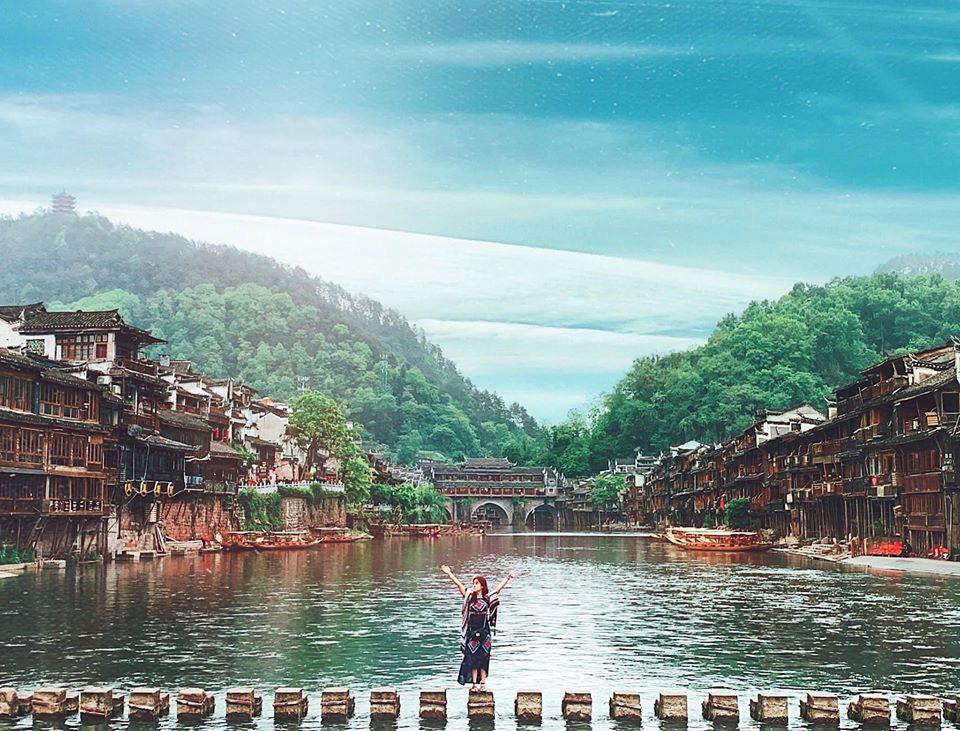 So sánh tour du lịch Tết Hà Nội - Phượng Hoàng cổ trấn - Trương Gia Giới 5 ngày 4 đêm - Ảnh 3.
