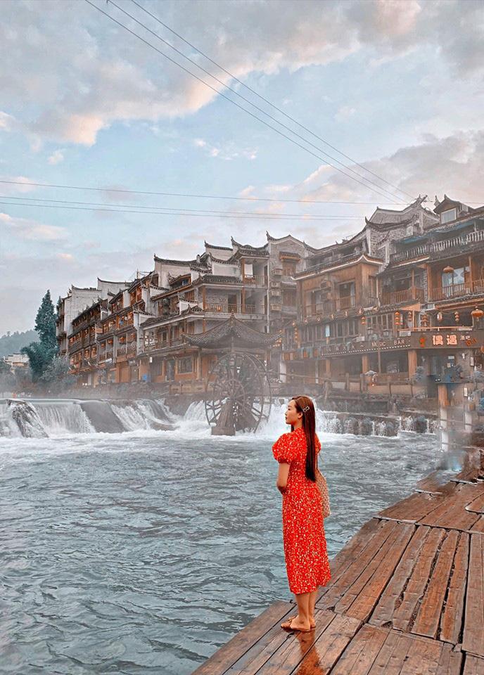 So sánh tour du lịch Tết Hà Nội - Phượng Hoàng cổ trấn - Trương Gia Giới 5 ngày 4 đêm - Ảnh 6.