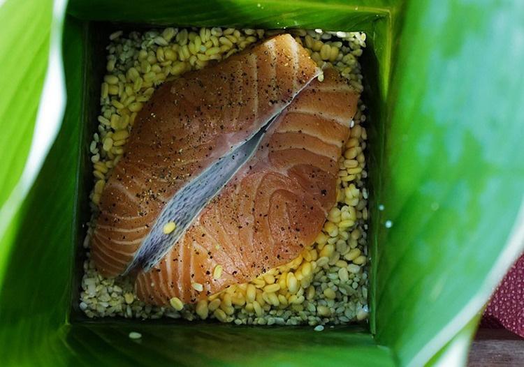 Thêm mật mía vào bánh chưng, bán hơn 1.000 chiếc mỗi ngày - Ảnh 4.