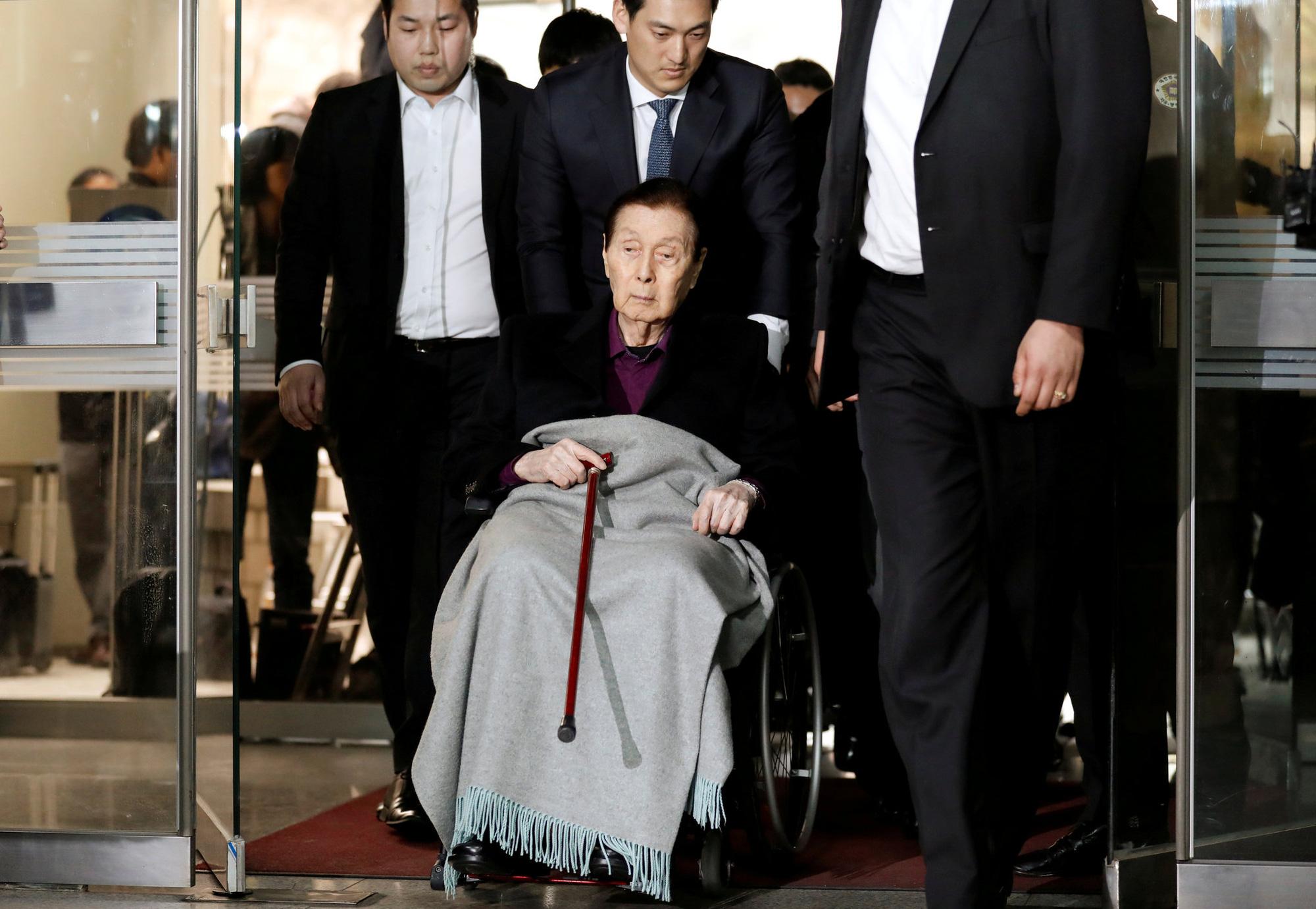 Nhà sáng lập Lotte: Từ chàng trai nghèo mê văn chương đến ông hoàng tập đoàn hàng đầu Hàn Quốc - Ảnh 4.