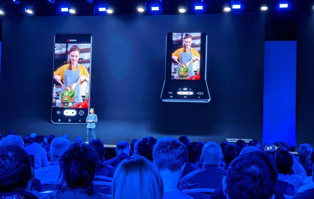 Galaxy Z Flip, chiếc điện thoại màn hình gập thứ 2 của Samsung chính thức lộ diện - Ảnh 1.