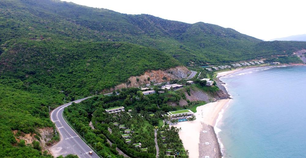 Đường ven biển: Đòn bẫy kích cầu phát triển du lịch, kinh tế biển - Ảnh 1.