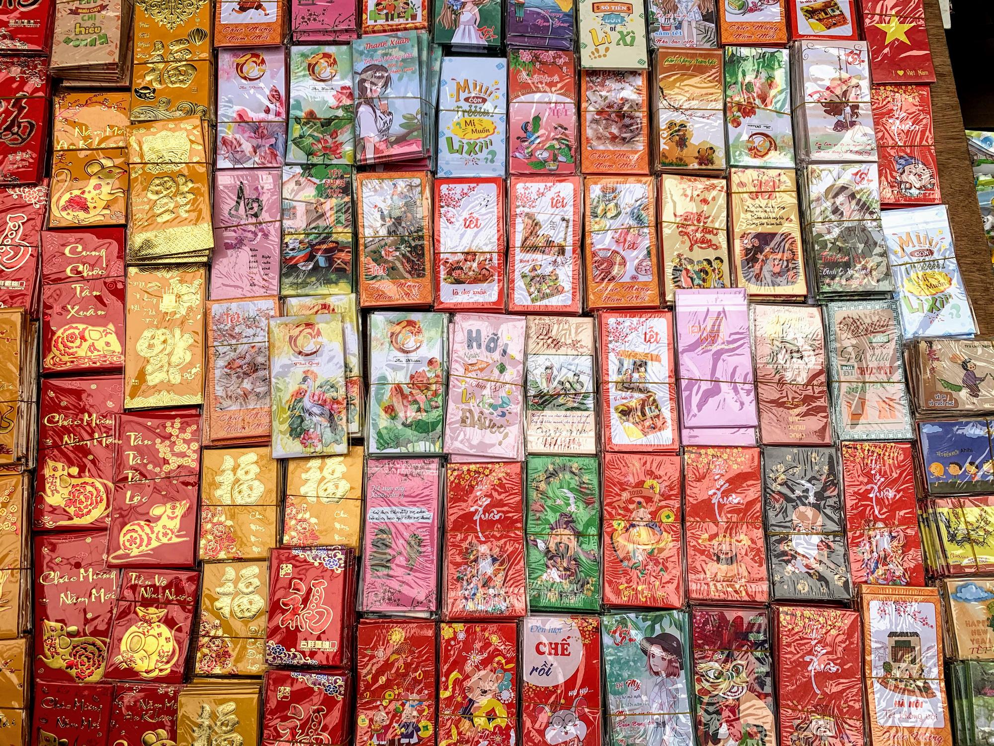 Chiều cuối năm, đột nhập chợ hoa xuân xem người Hà Nội sắm Tết - Ảnh 25.