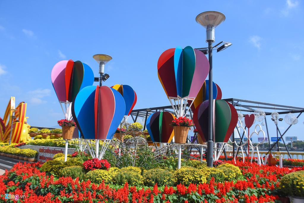 Ngắm đường hoa hơn 6 tỉ ở Đà Nẵng - Ảnh 5.