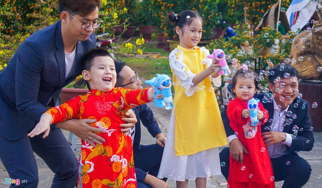 Ngắm đường hoa hơn 6 tỉ ở Đà Nẵng - Ảnh 8.