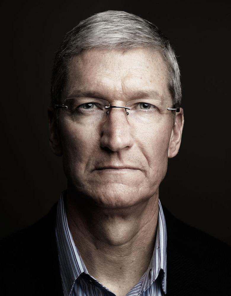 CEO Apple Tim Cook: Người hùng hay kẻ tội đồ? - Ảnh 11.