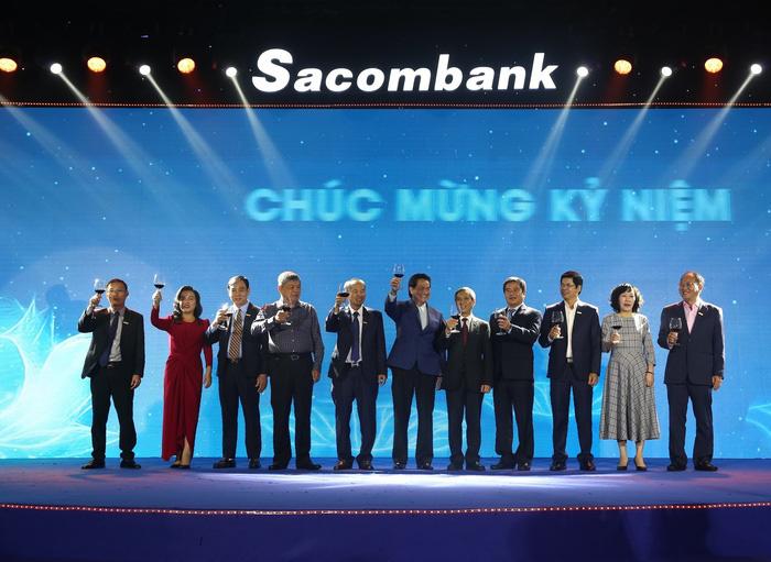 Doanh nhân tuổi Tí Đặng Văn Thành: Bữa cơm gia đình, biến cố Sacombank và 'tôi sẵn sàng trở lại ngân hàng' - Ảnh 3.