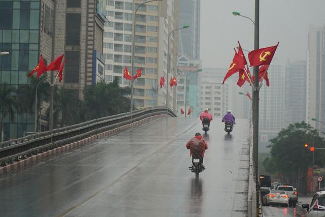 Ngày đầu năm mới, miền Bắc tiếp tục mưa rét - Ảnh 1.