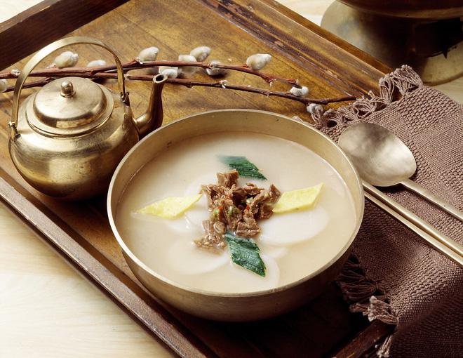 Những món ăn mang lại may mắn dịp đầu năm tại châu Á - Ảnh 1.