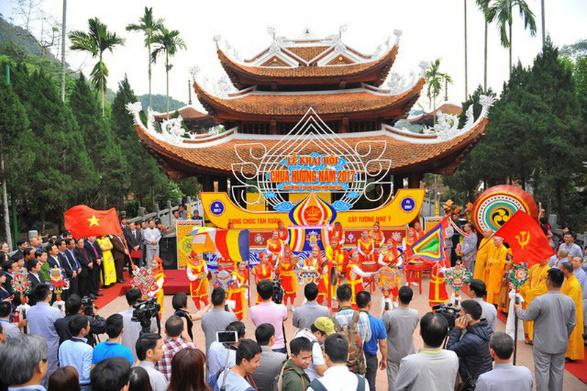 6 lễ hội đặc sắc đầu năm tại miền Bắc - Ảnh 1.
