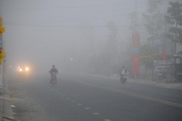 Sóc Trăng: Sương mù dày đặc sáng mùng 2 tết - Ảnh 2.