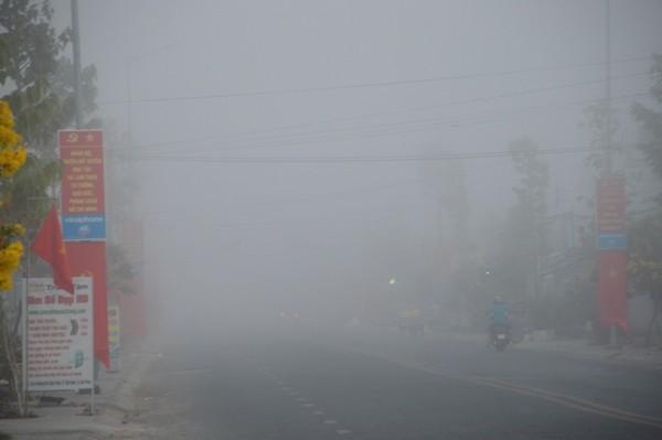 Sóc Trăng: Sương mù dày đặc sáng mùng 2 tết - Ảnh 5.