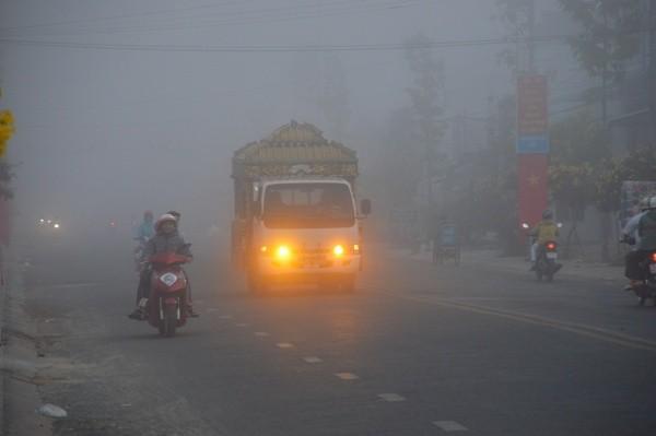 Sóc Trăng: Sương mù dày đặc sáng mùng 2 tết - Ảnh 4.