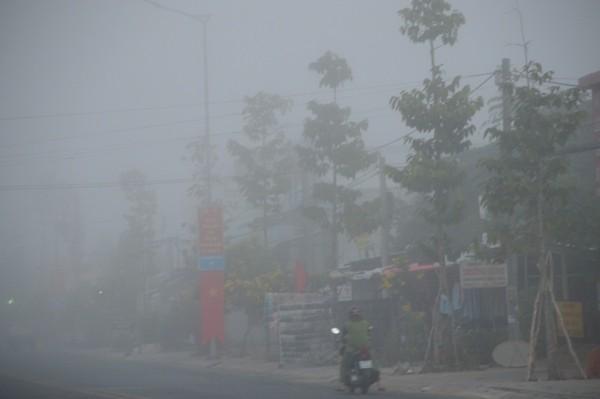 Sóc Trăng: Sương mù dày đặc sáng mùng 2 tết - Ảnh 6.