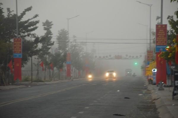 Sóc Trăng: Sương mù dày đặc sáng mùng 2 tết - Ảnh 7.