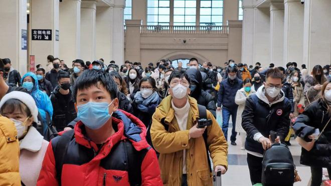 Công ty Trung Quốc cho nhân viên ở nhà để tránh virus corona - Ảnh 1.