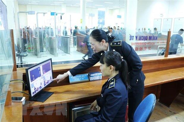 Nhiều địa phương dừng đón khách Trung Quốc - Ảnh 1.