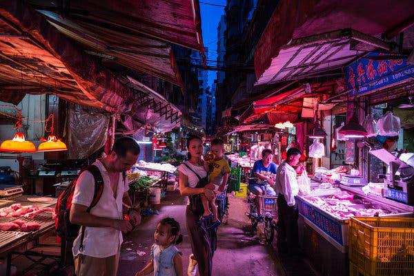 Đau đầu quản lí các khu chợ tươi sống - ổ dịch corona - Ảnh 4.