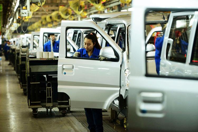 Nhiều doanh nghiệp toàn cầu sơ tán khỏi Trung Quốc - Ảnh 1.