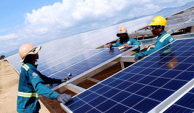 Giá điện mặt trời áp mái có thể dưới 2.000 đồng/kWh - Ảnh 1.