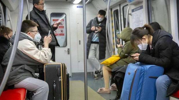 Những biện pháp bảo vệ bản thân tránh khỏi virus corona khi đi du lịch - Ảnh 4.