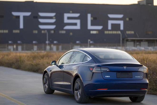 Elon Musk - người đàn ông 'viễn tưởng' xây dựng kỉ nguyên mới cho ôtô điện - Ảnh 1.