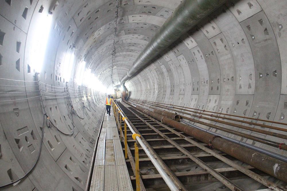 'Chìa khóa' metro giải quyết bài toán giao thông ùn tắc tại TP HCM - Ảnh 1.