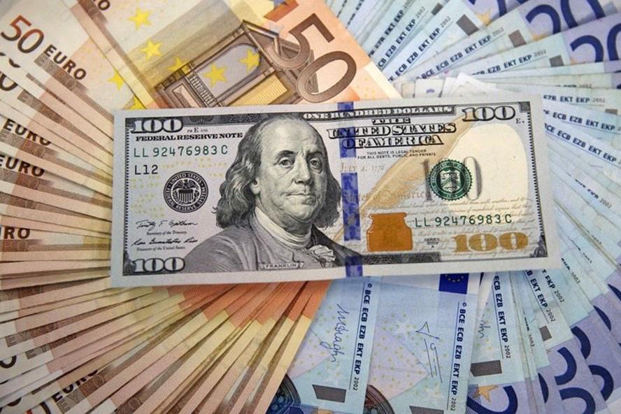 Giá USD hôm nay 6/1: Căng thẳng chính trị kéo USD đi xuống  - Ảnh 1.
