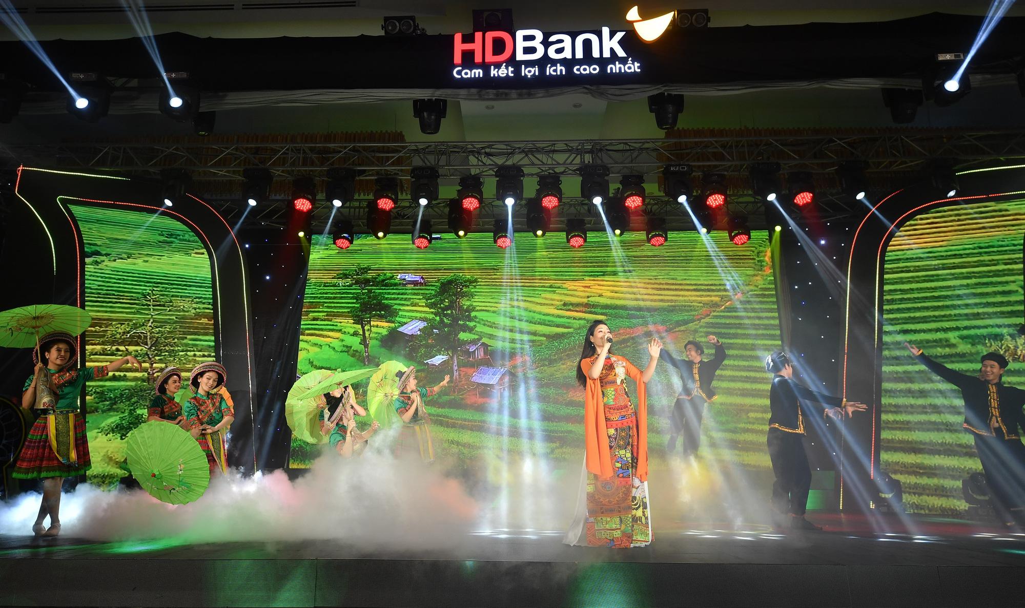 HDBank kỉ niệm 30 năm hoạt động: Ngày hội lớn hơn của 16.000 CBNV - Ảnh 9.